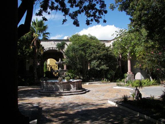 court yard at Instituto de Allende