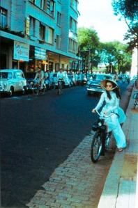Vietnam cyclists