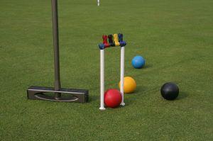 Modern_croquet_equipment