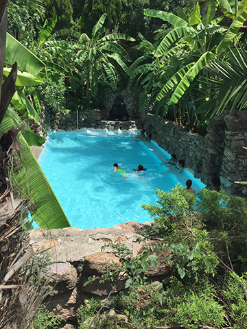 La Gruta hot springs
