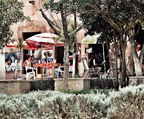 Pozos sidewalk cafes
